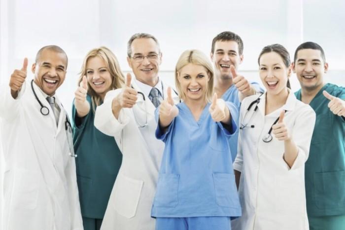happy_doctors_staff